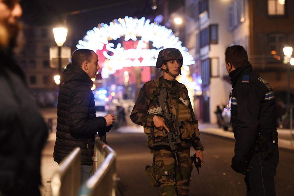 FOTO:Strasbourg: V streljanju na božični tržnici najmanj trije mrtvi (VIDEO)