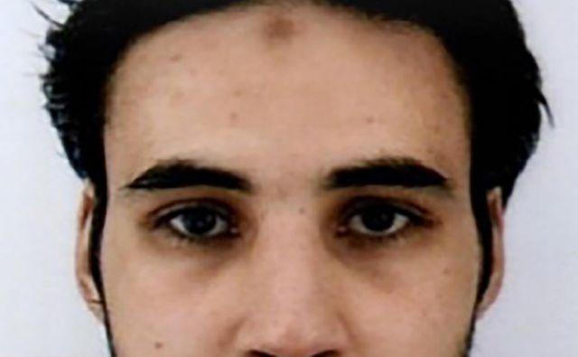 Policija je objavila fotografijo napadalca z obvestilom javnosti o iskanju in opozorilom, da gre za nevarnega človeka. FOTO: AFP