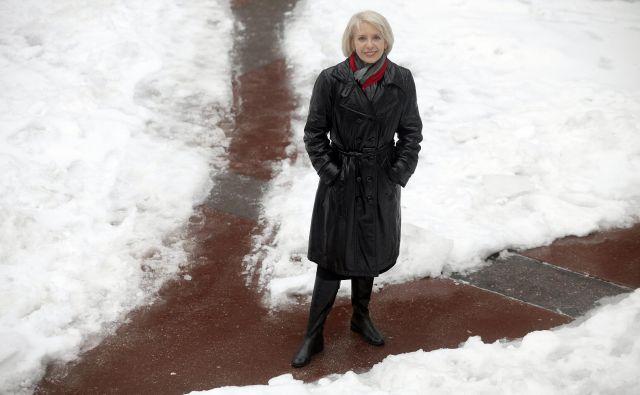 Meteorologinja Tanja Cegnar poudarja, da sodobni človek pozimi živi drugače, kot so njegovi predniki. Foto Mavric Pivk