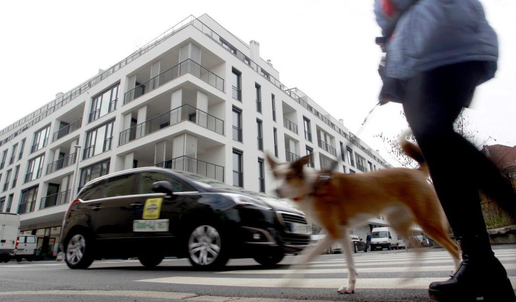 FOTO:Zakaj gredo cene stanovanj v nebo?