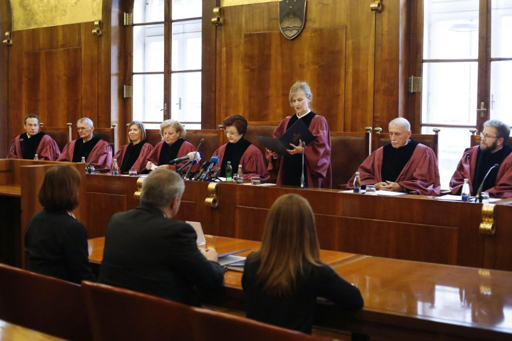 FOTO:Ustavno sodišče ugotovilo neustavnost dela volilne zakonodaje