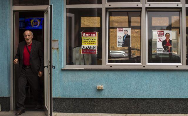 Na volitvah so znova zmagale iste stranke in njihovi voditelji, ki so razvili mrežo klientalizma in politične korupcije. FOTO: Voranc Vogel/Delo