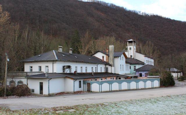 Leta 2010 je šel objekt v prodajo za 560.000 evrov, danes je ocenjen na 1,18 milijona evrov. Foto Blaž Močnik