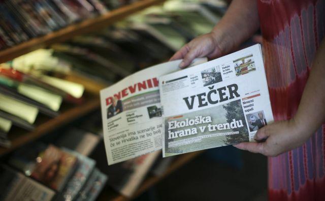 Časnika Dnevnik in Večer FOTO: Jure Eržen/Delo