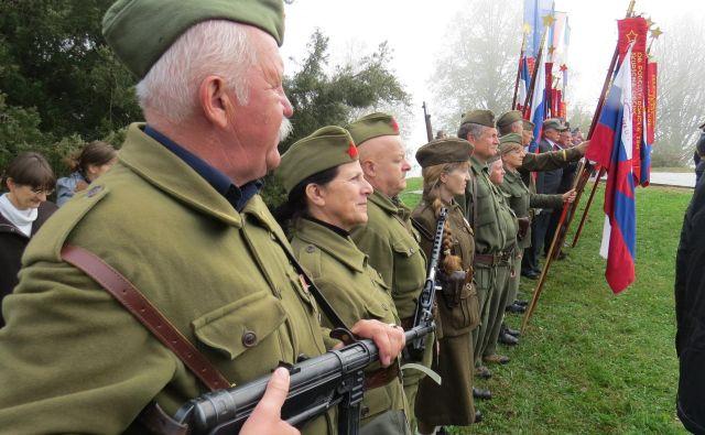 V filmu nastopajo še živeči borci, ki so bili v času bitke, marca 1945, stari med 16 in 22 let.Foto Bojan Rajšek