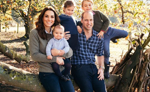 Princ William, vojvodinja Cambriška in njuni otroci Louis, Charlotte in George FOTO: Reuters