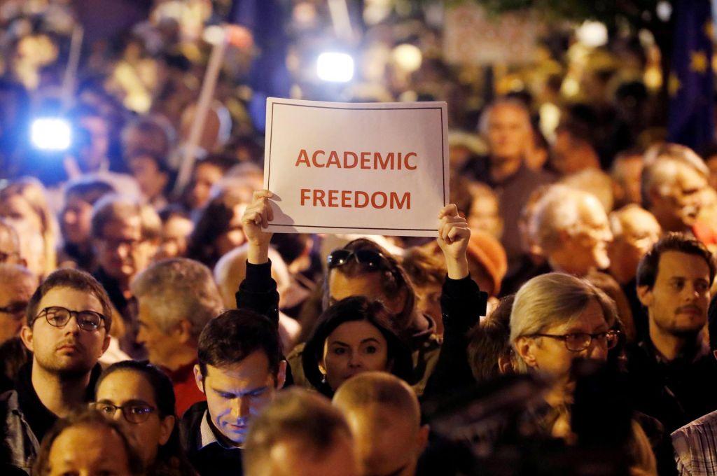 FOTO:Akademska svoboda v Orbánovem času