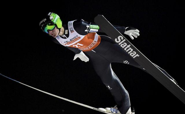 Domen Prevc je bil v prvi seriji najboljši Slovenec. FOTO: Reuters