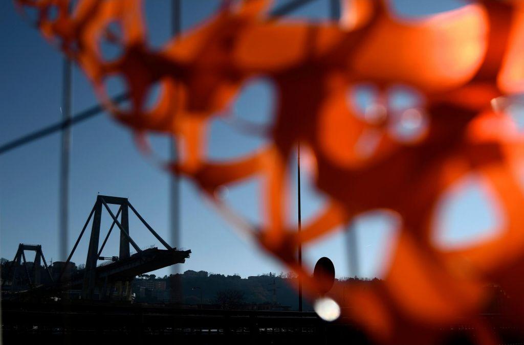 FOTO:Prihodnji teden začetek odstranjevanja porušenega viadukta v Genovi