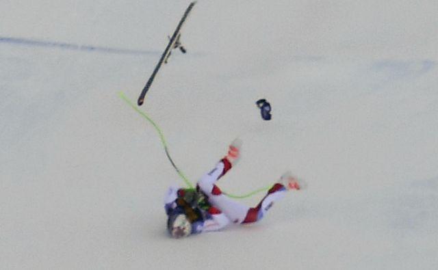 Marc Gisin je na smuku v Val Gardeni hudo padel in izgubil zavest. FOTO: AFP