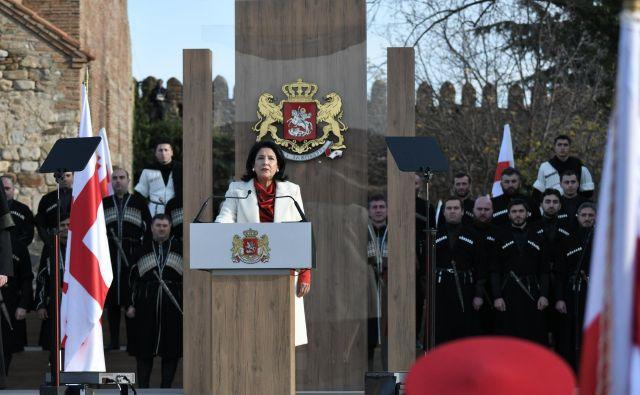 Predsednica Salome Zurabišvili se je rodila v Franciji družini gruzijskih pribežnikov. FOTO: Reuters/Irakli Gedenidze