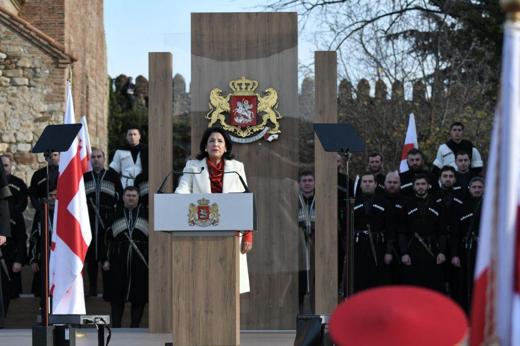 FOTO:V Gruziji vodenje države prevzela prva predsednica