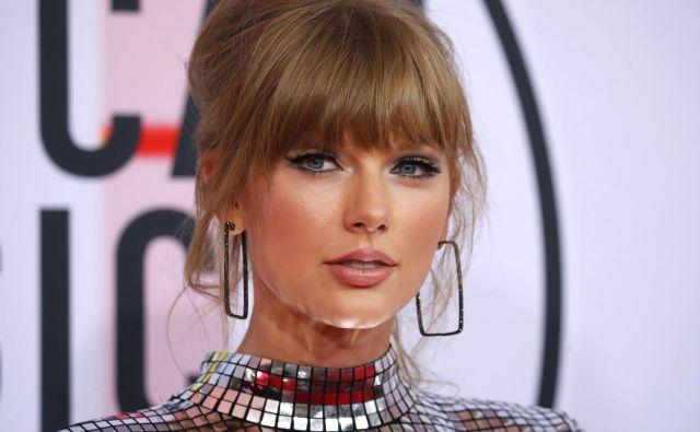 Taylor Swiftima sicer že lep čas preglavice zaradi zalezovalcev. FOTO: Mike Blake/Reuters