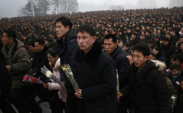 Samooklicani ljubljeni vodja ljudstva je bil najstarejši sin velikega vodje Kim Il Sunga. FOTO: Dita Alangkara/Ap