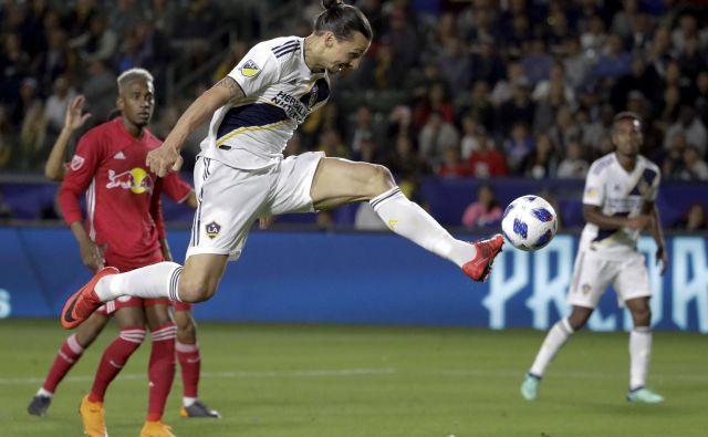 Zlatan Ibrahimović bo vsaj še eno sezono vztrajal v MLS. FOTO: Chris Carlson/AP