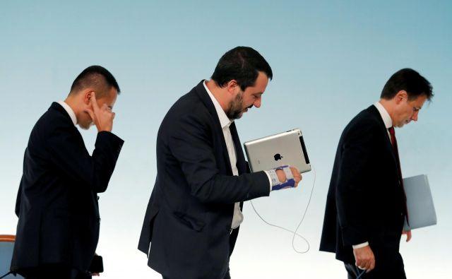 Italijanski trojček Luigi di Maio, Matteo Salvini in Giuseppe Conte stavi na uspeh pogajanj z EU. FOTO: Reuters