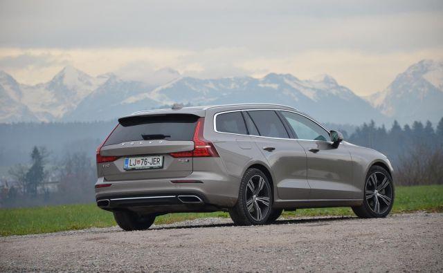 Volvo V60 je narejen povsem na novo, je zelo všečen večji, a le ne zelo velik karavan.