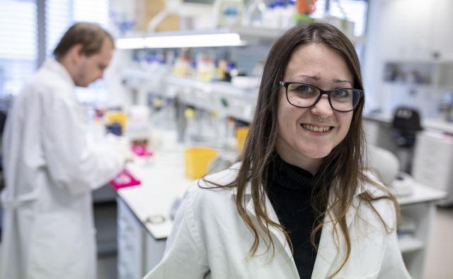 Tina Lebar, prvopodpisana pod člankom, objavljenim v reviji <em>Nature Chemical Biology</em>, se je s sodelavci posvetila proteinom TALE. Foto Voranc Vogel