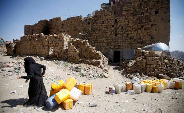 Po dolgem času so si prebivalci strateško pomembnega mesta Hodeida lahko vsaj malo oddahnili. FOTO: Reuters