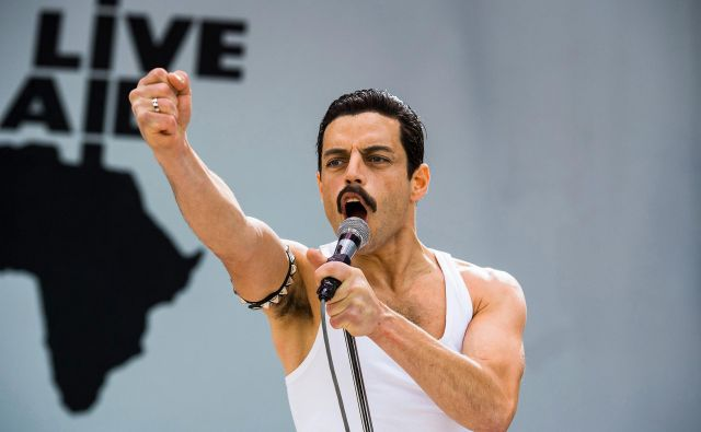 <em>Bohemian Rhapsody</em> je v manj kot dveh mesecih po premieri postal biografski glasbeni film z največjim zaslužkom v zgodovini filma. FOTO: promocijsko gradivo