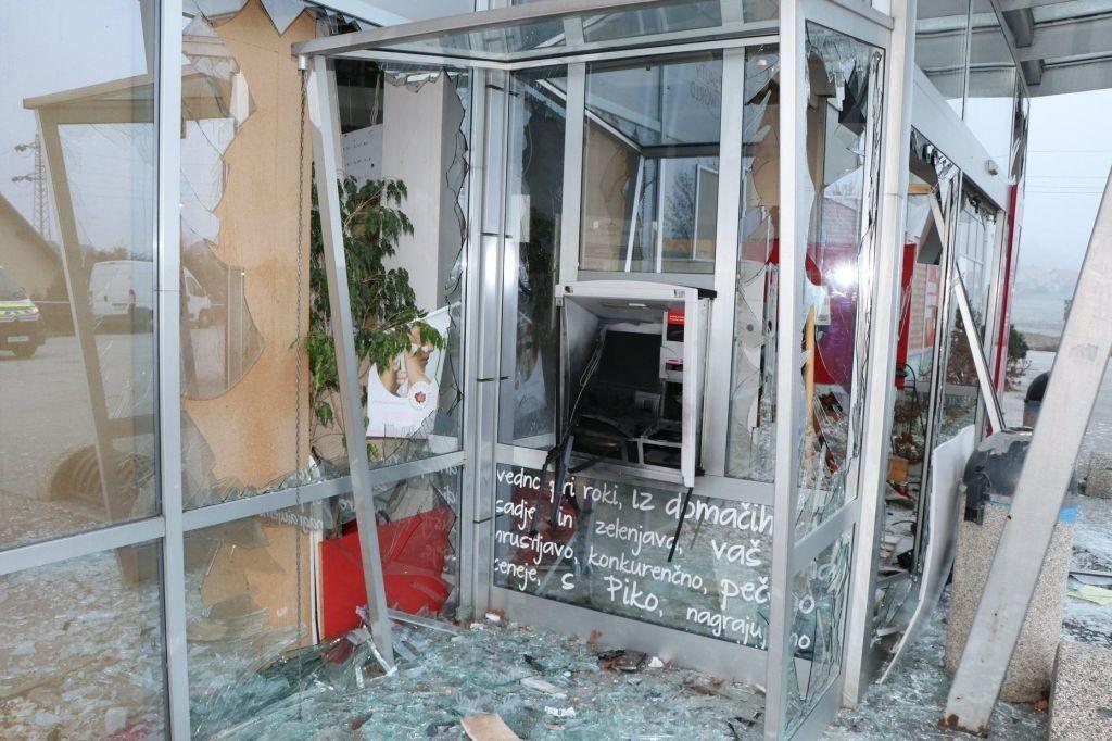 V Beltincih eksplodiral bankomat