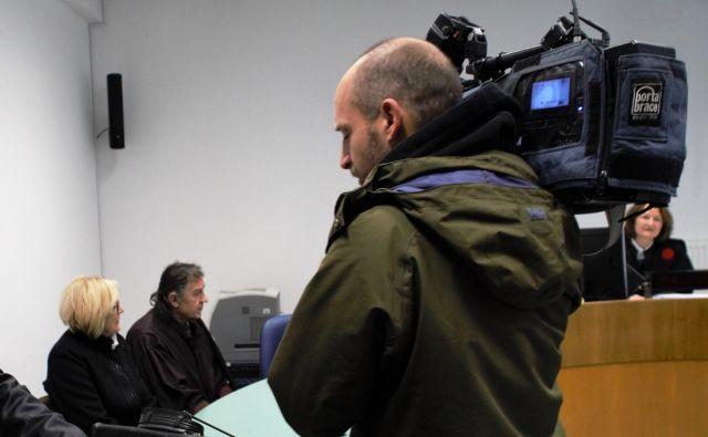 Hilda Tpovšak in zagovornik Dušan Tanko na sodišču. FOTO: Brane Piano