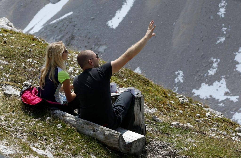 FOTO:Ogrevana planinska koča, nato pa voda, čaj in sendvič iz nahrbtnika