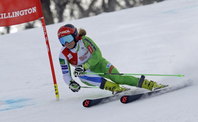 Ana Drev lovi prve veleslalomske točke sezone. FOTO: AP