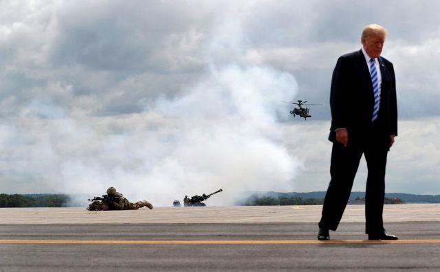 Donald Trump je Erdoğanu prižgal zeleno luč za veliko vojaško operacijo na vzhodnem bregu reke Evfrat. FOTO:Reuters