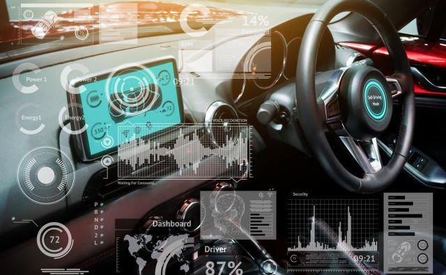 Pametni avtomobili bodo nov in trd oreh za zavarovalnice. Foto iStock
