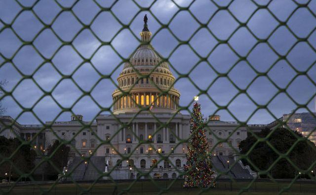 To je že tretja letošnja blokada ameriške vlade. FOTO: J. Scott Applewhite/Ap