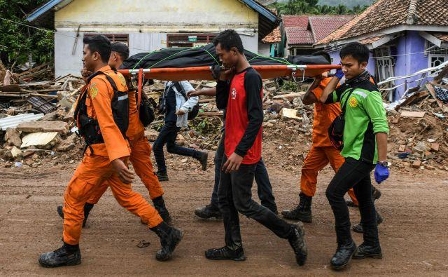 Najhuje je prizadeto območje province Pandeglang na zahodu Jave. FOTO: AFP