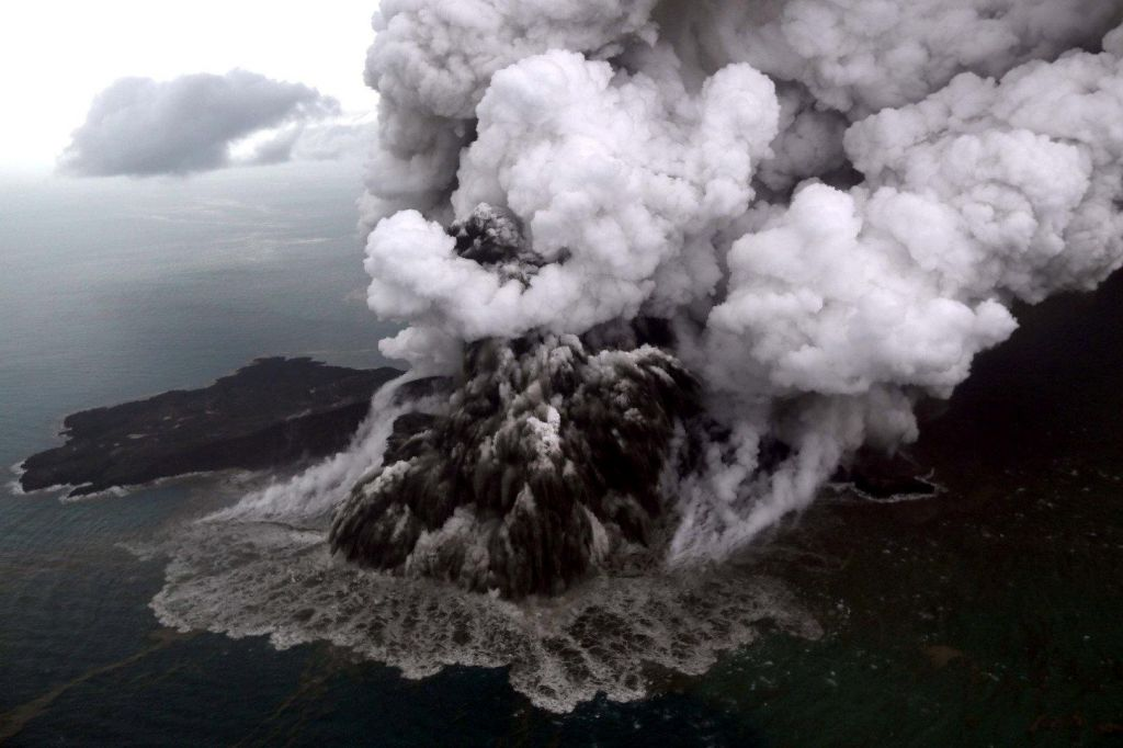 FOTO:Indoneziji grozi nova nevarnost, oblasti že izdale opozorilo