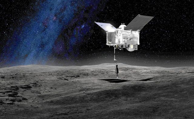 Predvidoma 4. julija 2020 se bo sonda spustila tik nad površje in v petih sekundah z robotsko roko postrgala vsaj 60 gramov in največ dva kilograma kamenja in prahu z asteroida. FOTO: Nasa