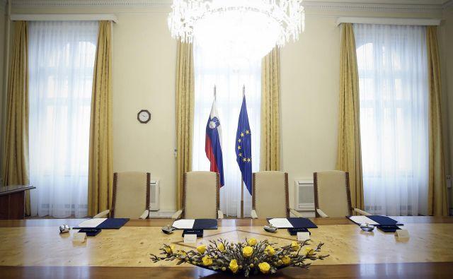 V dvorani na Gregorčičevi so lani podpisali dogovore o višji povprečnini z občinami in o plačah s sindikati javnega sektorja. Koliko pomembnih podpisov čaka letos? Foto Blaž Samec/delo