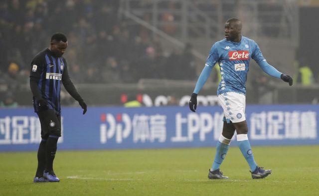 Kalidou Koulibaly je bil tarča rasističnih izpadov Interjevih navijačev. FOTO: Luca Bruno/AP