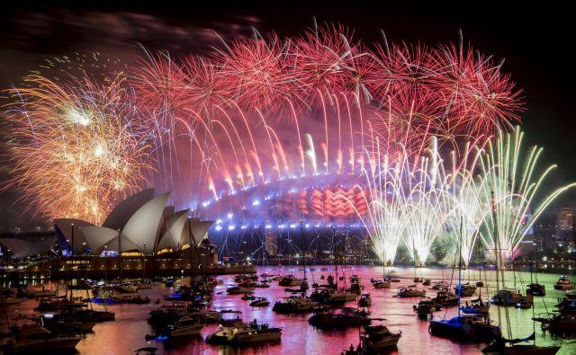 Sydney je zažarel v številnih barvah. FOTO: Reuters