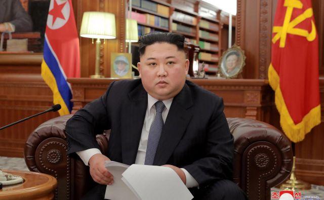 Severnokorejski voditelj Kim Džong Un<strong> </strong>je v novoletni poslanici dejal, da si Severna Koreja želi dobrih odnosov z ZDA.FOTO: Reuters
