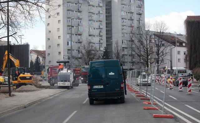Začetek del na južnem delu Drenikove ulice. FOTO Mavric Pivk