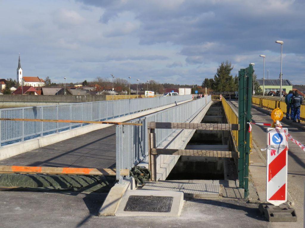Most prvo dejanje obnove, zdaj na vrsti zapornice