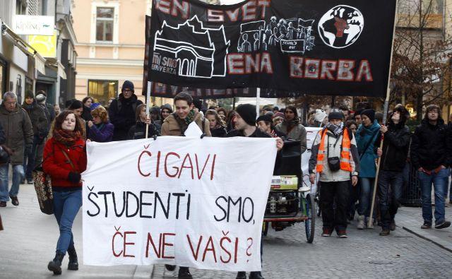 Študentje trdijo, da so današnje razmere podobne tistim iz leta 1968, le da so posodbljene. Od vlade pričakujejo takošnje reševanje njihove problematike. Foto Aleš Černivec