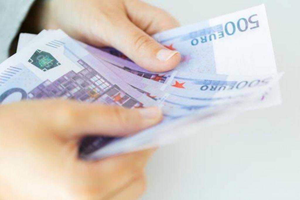 Banka Slovenije bo prenehala izdajati bankovce za 500 EUR