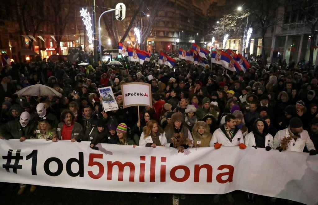FOTO:Protivladni protesti tudi v Beogradu