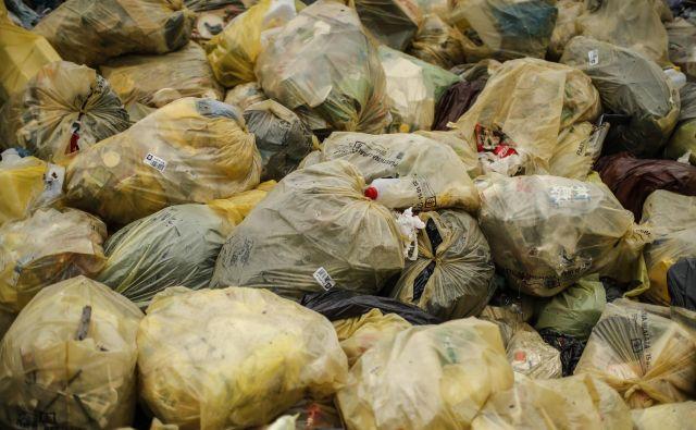 Predelava plastenk je že utečena, za posebne plastike pa še manjkajo rešitve. FOTO: Uroš Hočevar/Delo