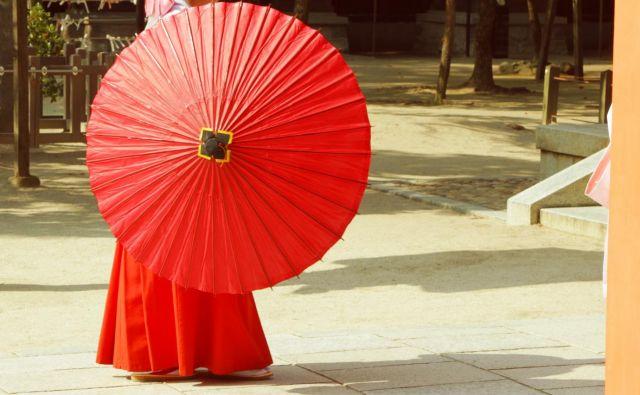 Vagase so japonski papirnati dežniki iz bambusovega lesa in povoskanega papirja.