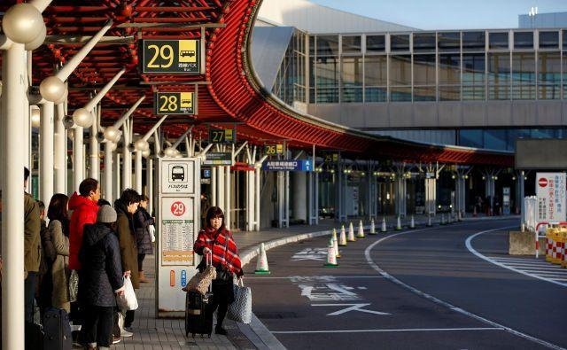 Japonska po novem obiskovalcem pred odhodom iz države zaračunava pristojbino. FOTO: Issei Kato/Reuters