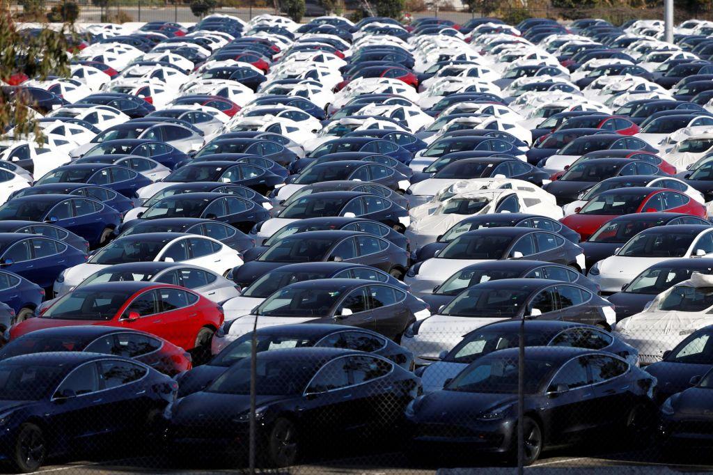 Električnih avtov več, a je njihov delež v EU še zelo majhen