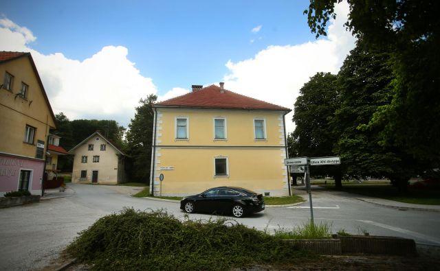 Vse spremembe stavb in njihove namembnosti je treba pravočasno vpisati. FOTO: Jure Eržen/Delo