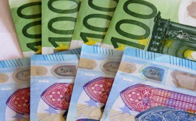 Med kupci so bile že ob izdaji tudi centralne banke.