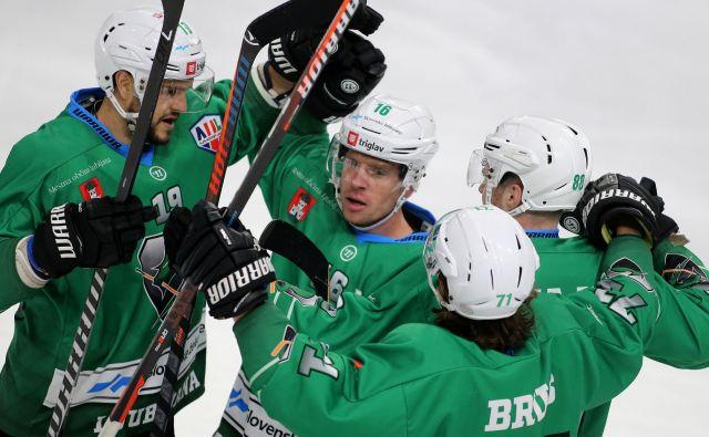 Hokejisti Olimpije so pred derbijem s Pustertalom vknjižili novo zmago. FOTO: Tomi Lombar/Delo